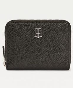 Tommy Hilfiger Essence Zip-around Monogram Medium Wallet Black